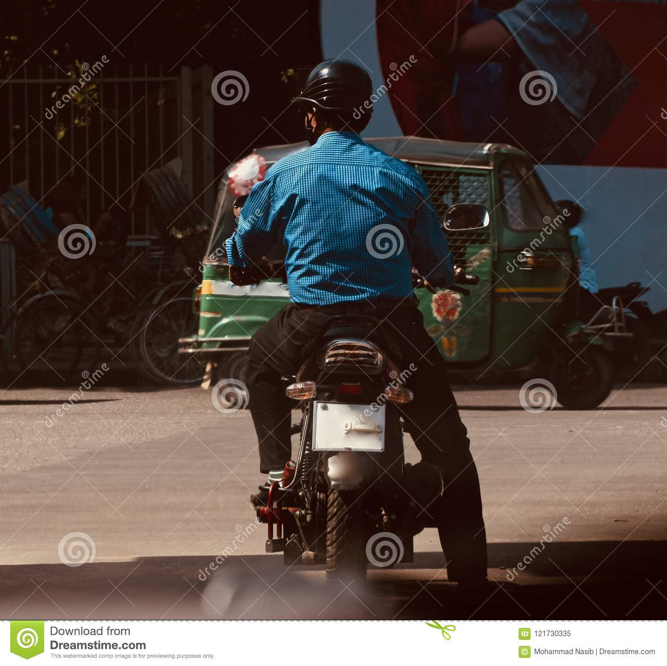 Download Man Riding A Bike Waiting In A Traffic Signal In Bangladesh Editorial Image - Image of formal, waiting: 121730335