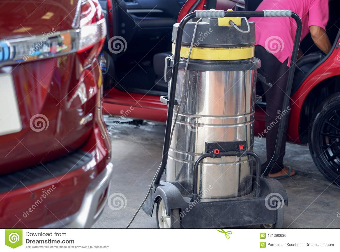 Car Wash Vacuum Cleaner >> The Man Use Vacuum Cleaner Stock Photo Image Of Machine 121390636