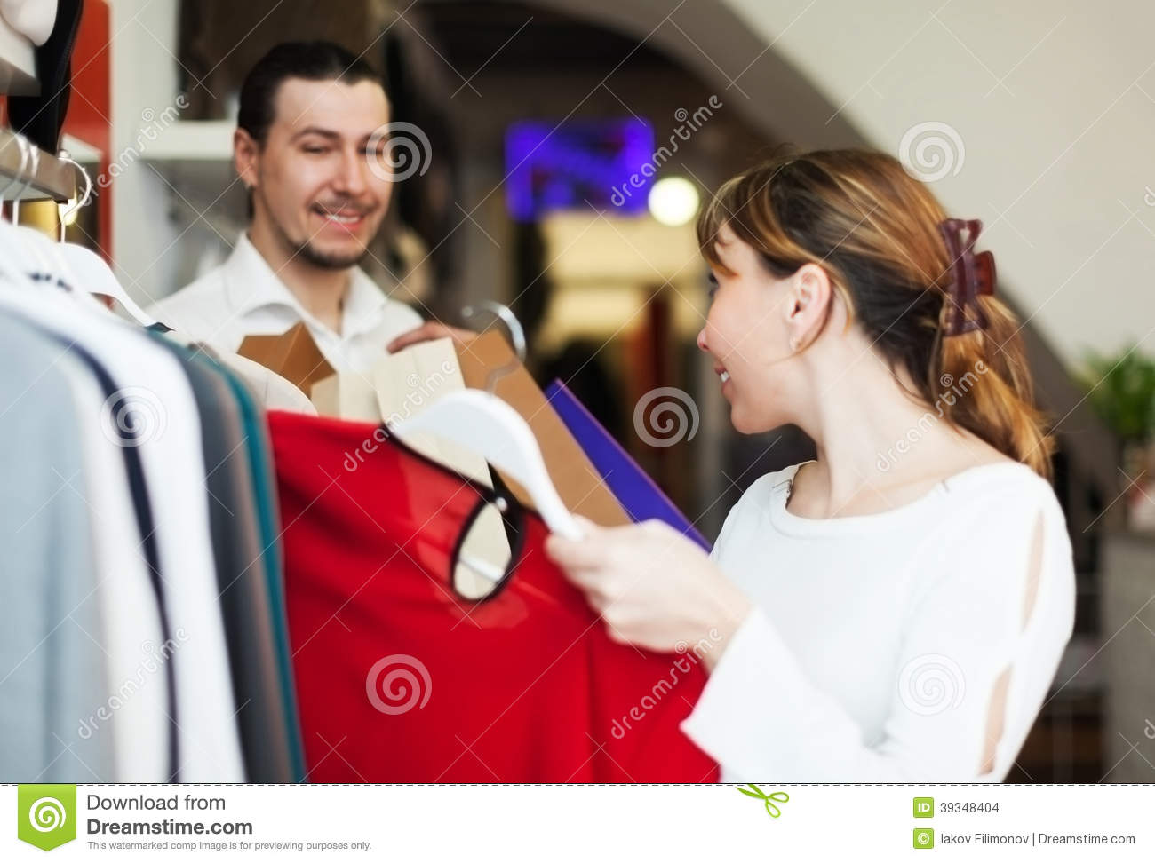 Find trendy fashion dresses, coats, pants, knitwear, shirts, sweaters, and more in our extensive women's clothing collection