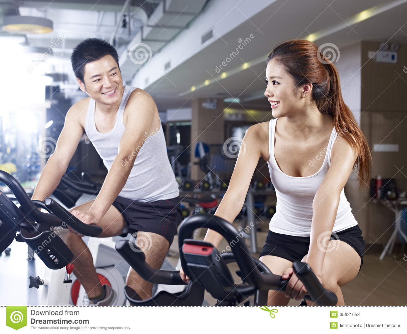 Man And Woman Talking In Gym Stock Image Image Of Female
