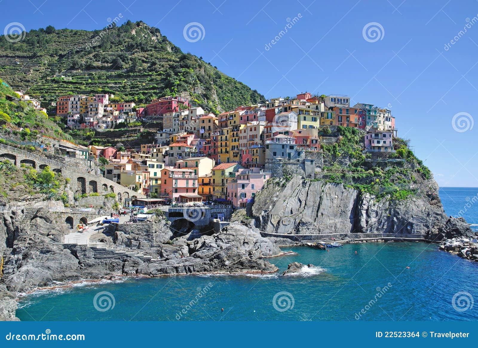The picturesque village of manarola in the cinque terre on the italian