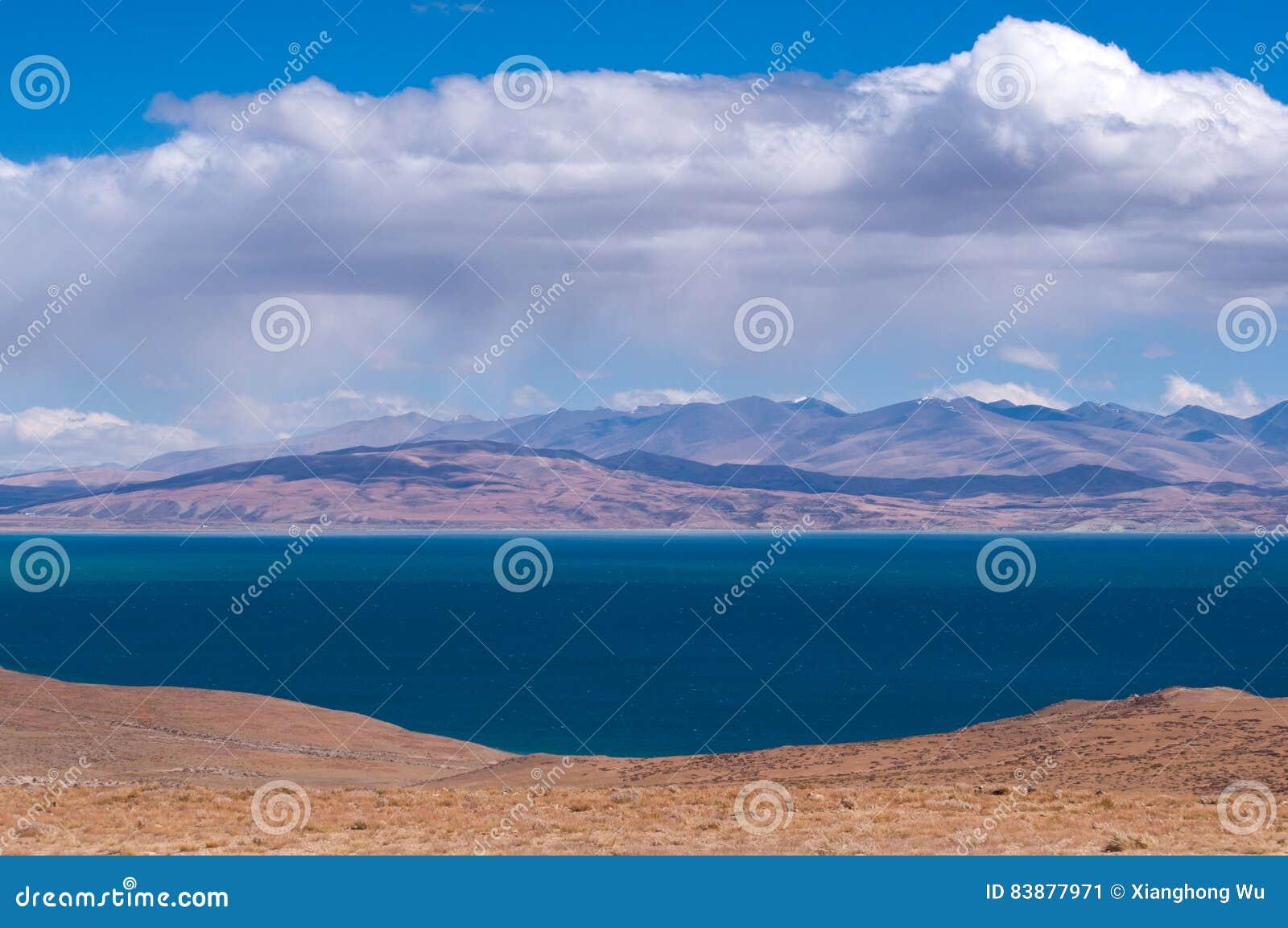 Manasarovar Lake: Travelling in Tibet
