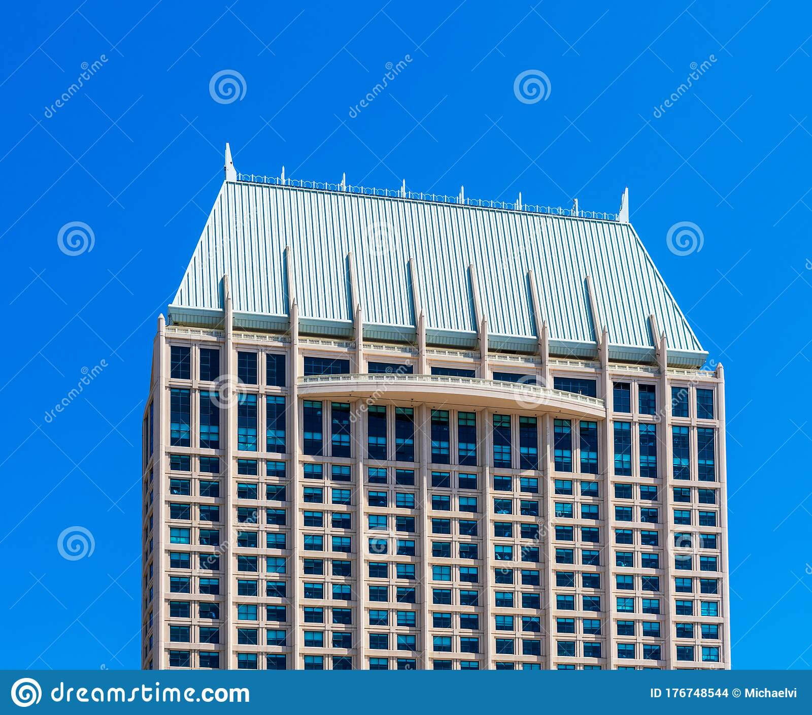 Manchester Grand Hyatt Hotel Is The Ultimate Waterfront Urban Hotel And Tallest Waterfront Building On The West Coast Editorial Stock Image Image Of Diego Hotel 176748544
