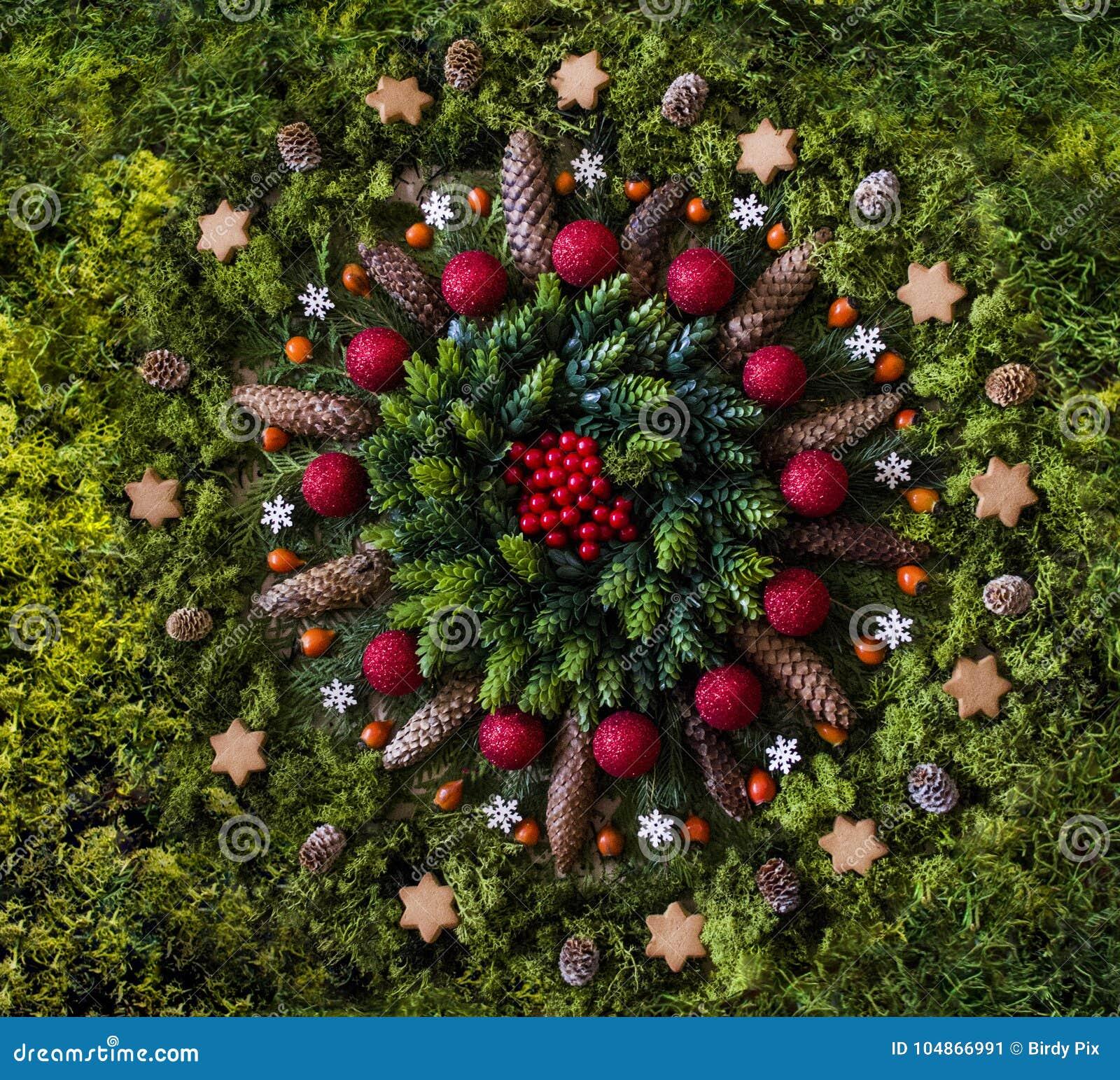 Immagini Natale Natura.Mandala Di Natale Con Gli Elementi Della Natura Immagine