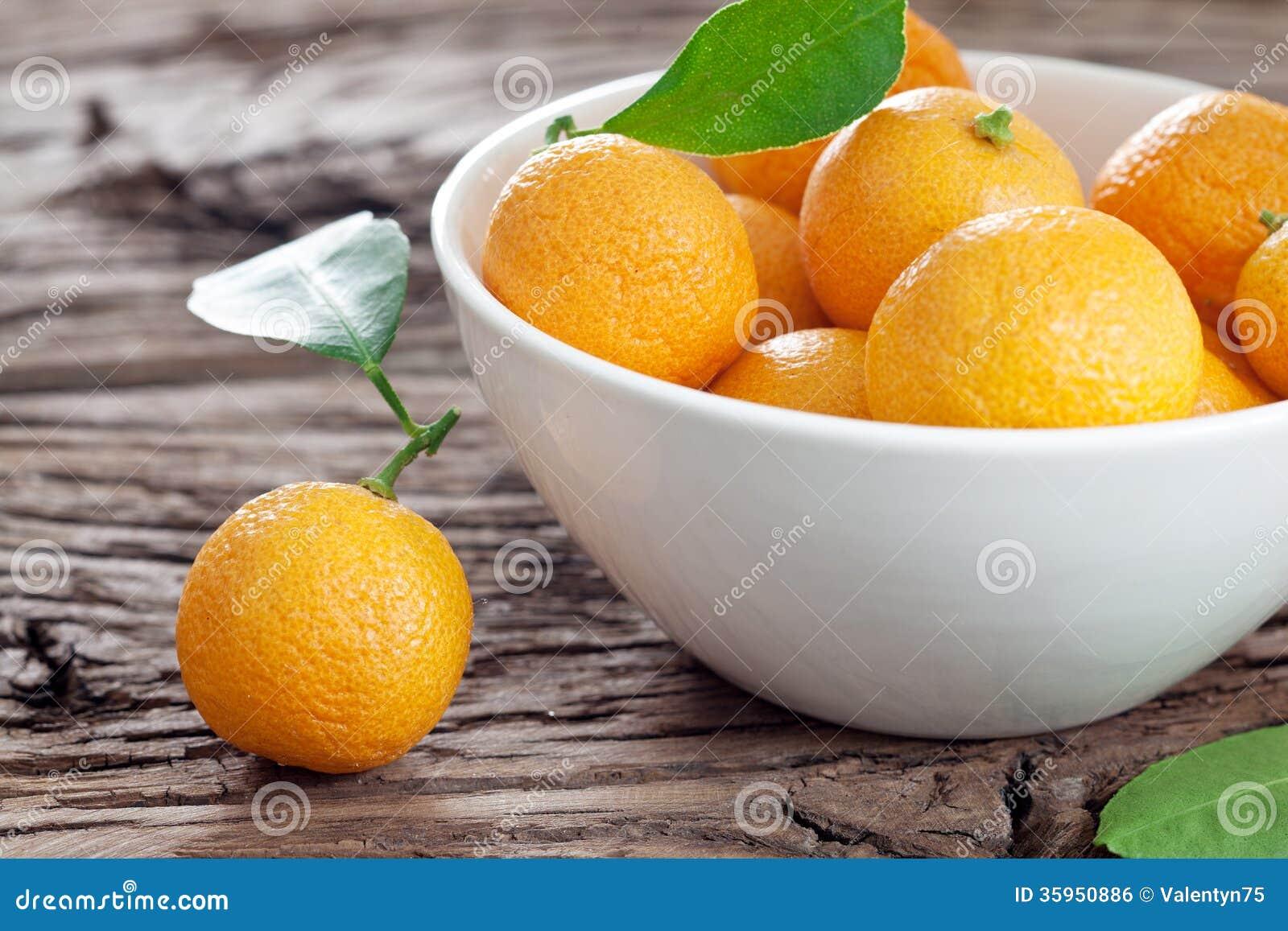 Mandarinas en un cuenco.