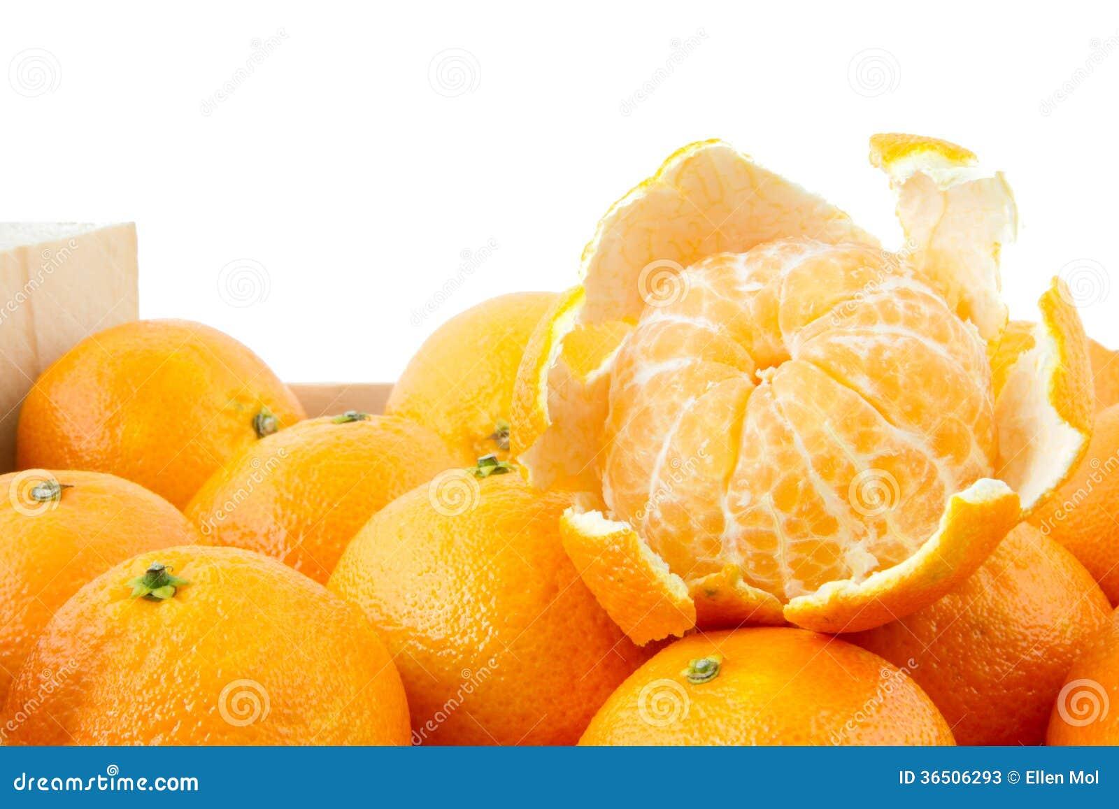 Mandarine épluchée sur la caisse