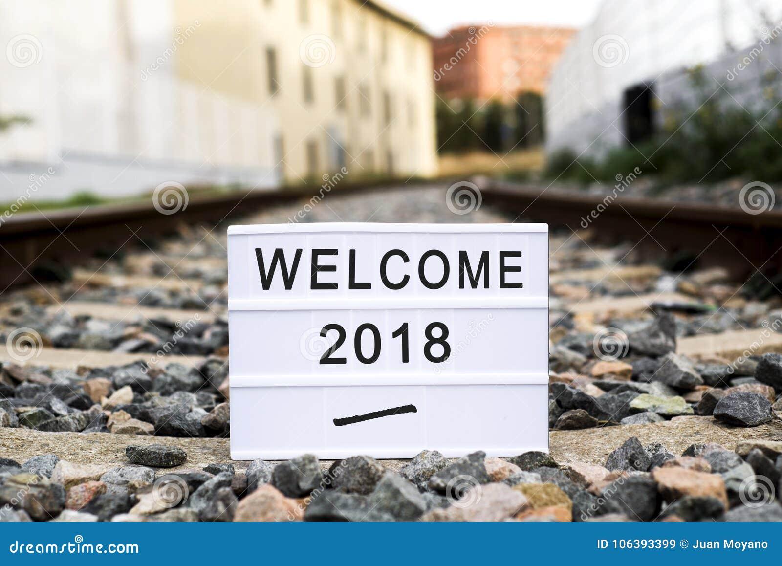 Mande un SMS a la recepción 2018 en un lightbox en el ferrocarril
