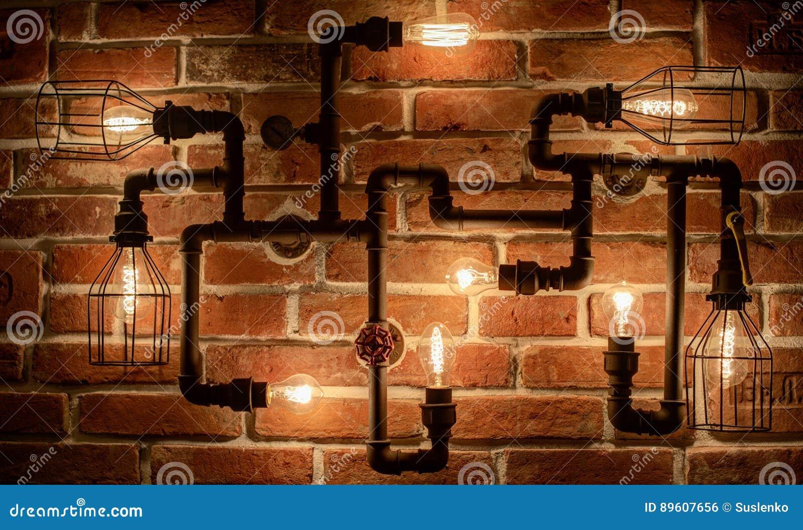 Mandi In Aria La Lampada Con Le Lampade Di Edison Su Un