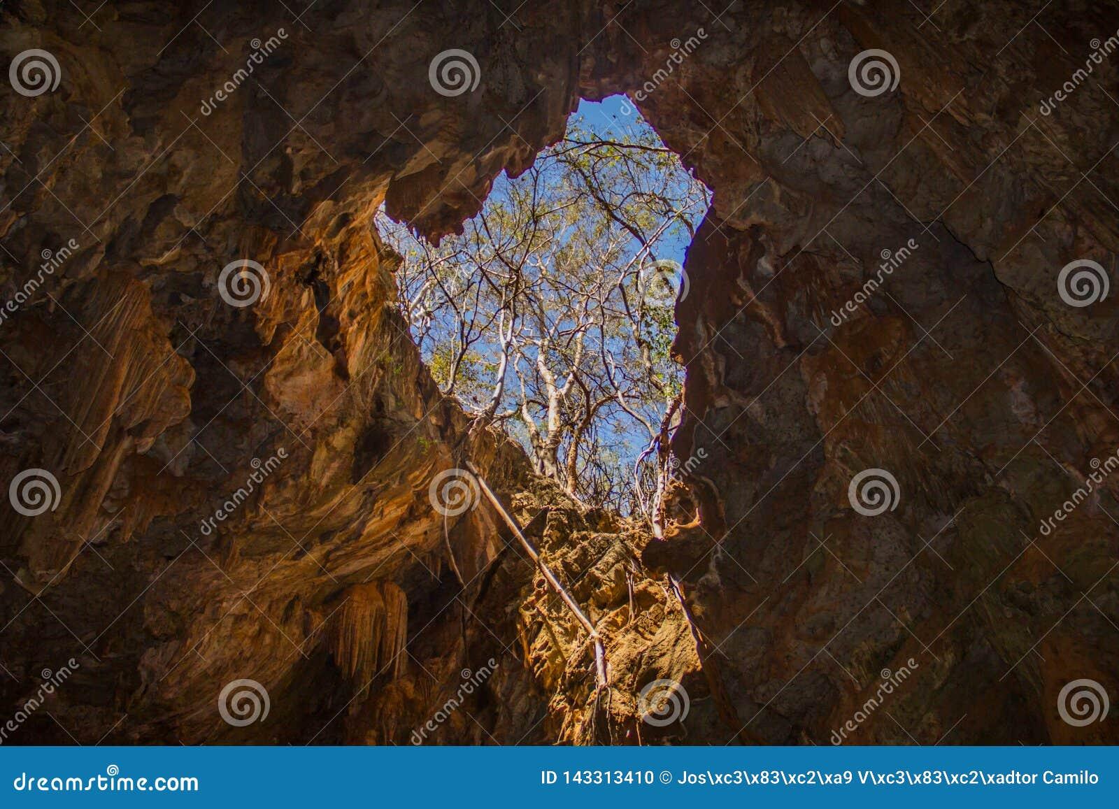Mangabeira-Höhle, in Ituaçu, Chapada Diamantina