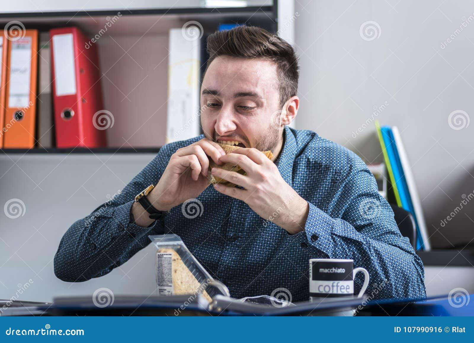 Mangeur d hommes affamé un sandwich
