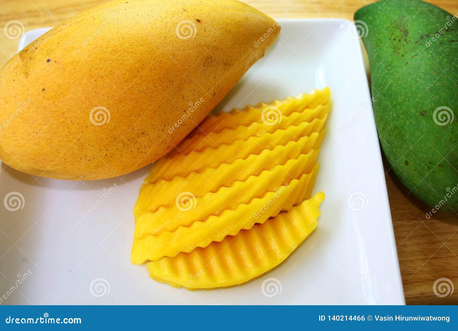 Mango Koloru żółtego i zieleni mango