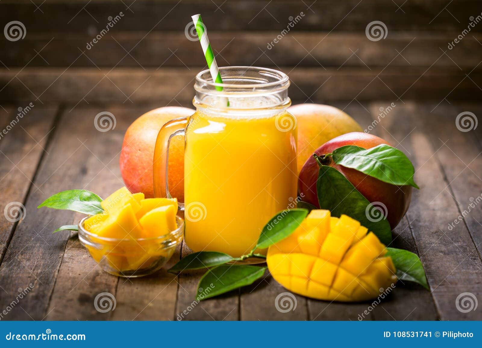 Mango smoothie in het glas