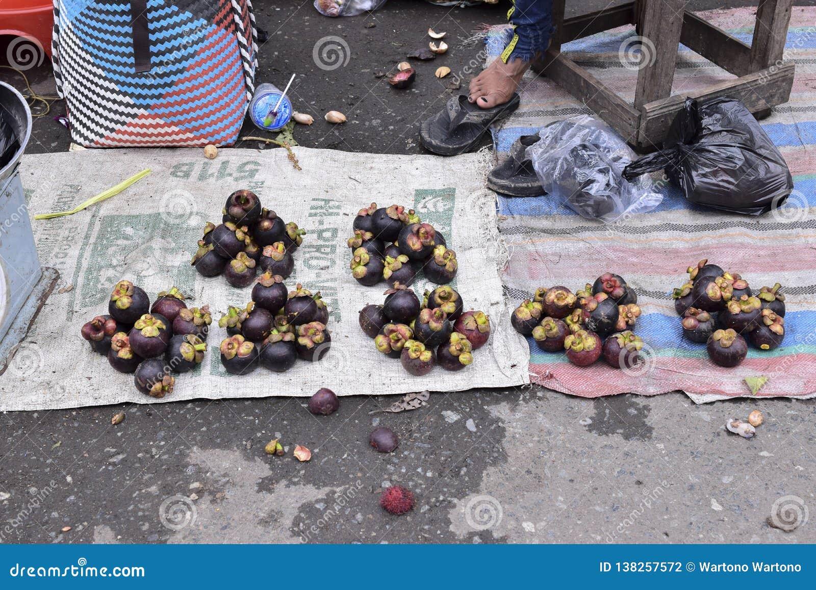 Mangosteen i tradionalmarknaden