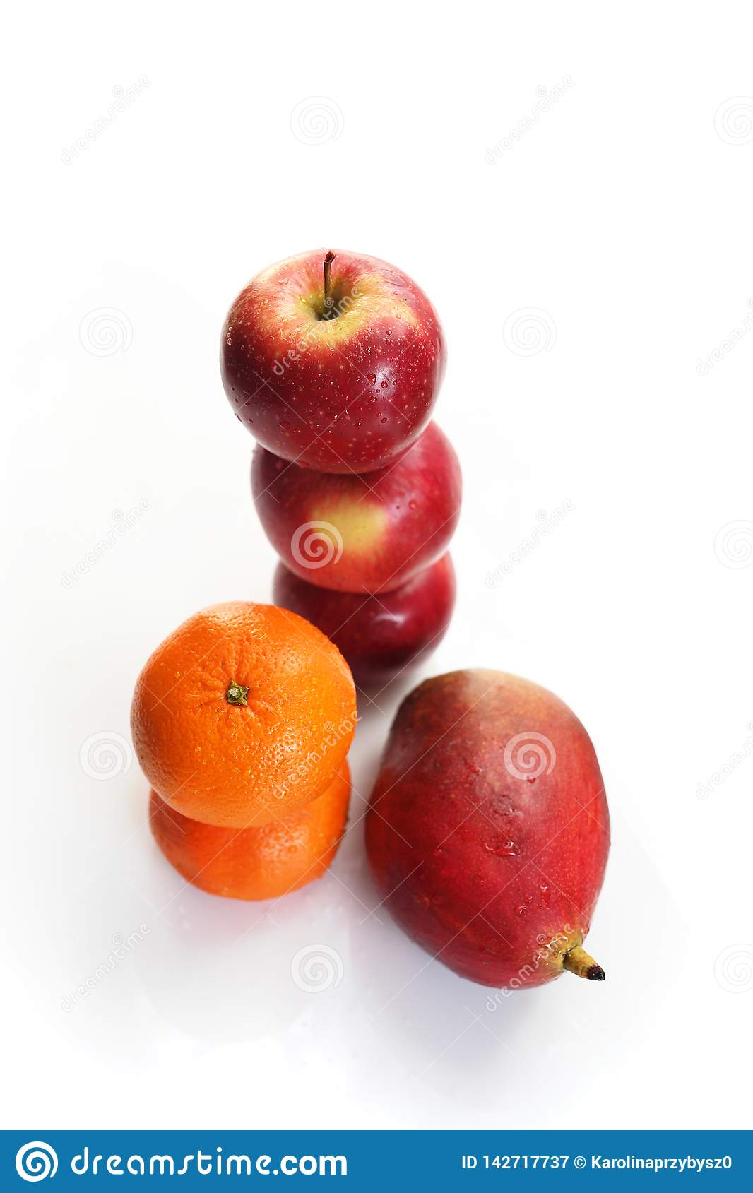 Mangue, oranges et pommes