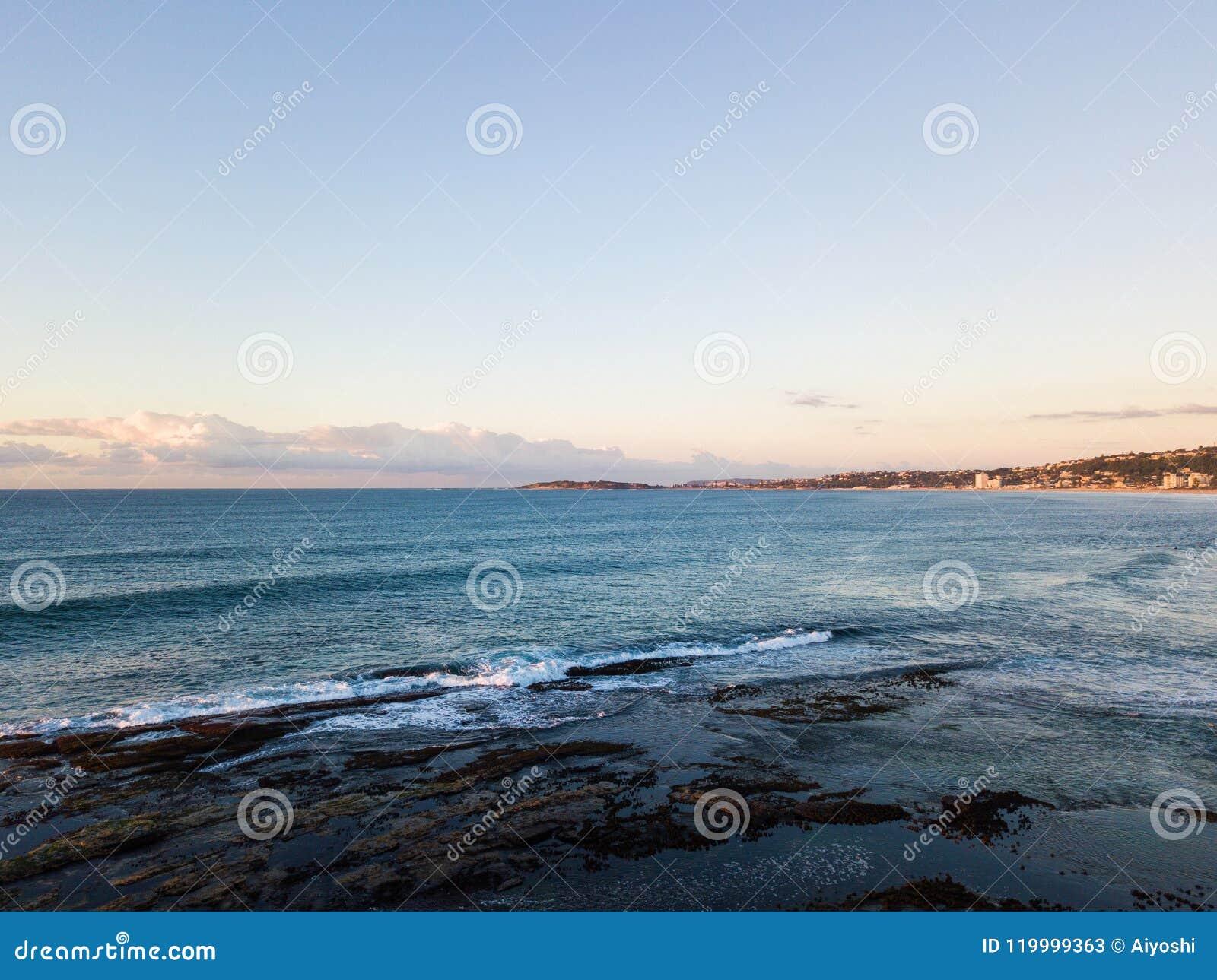 Manhã clara na praia