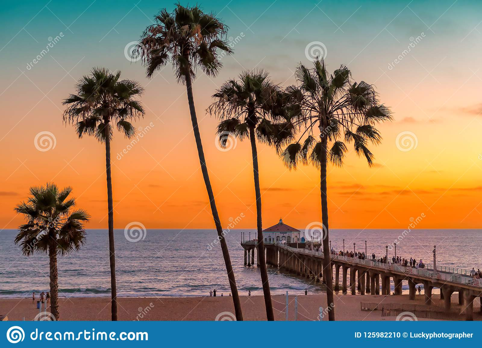 Manhattan Beach At Sunset In Los Angeles California Stock Photo Image Of City Landscape 125982210
