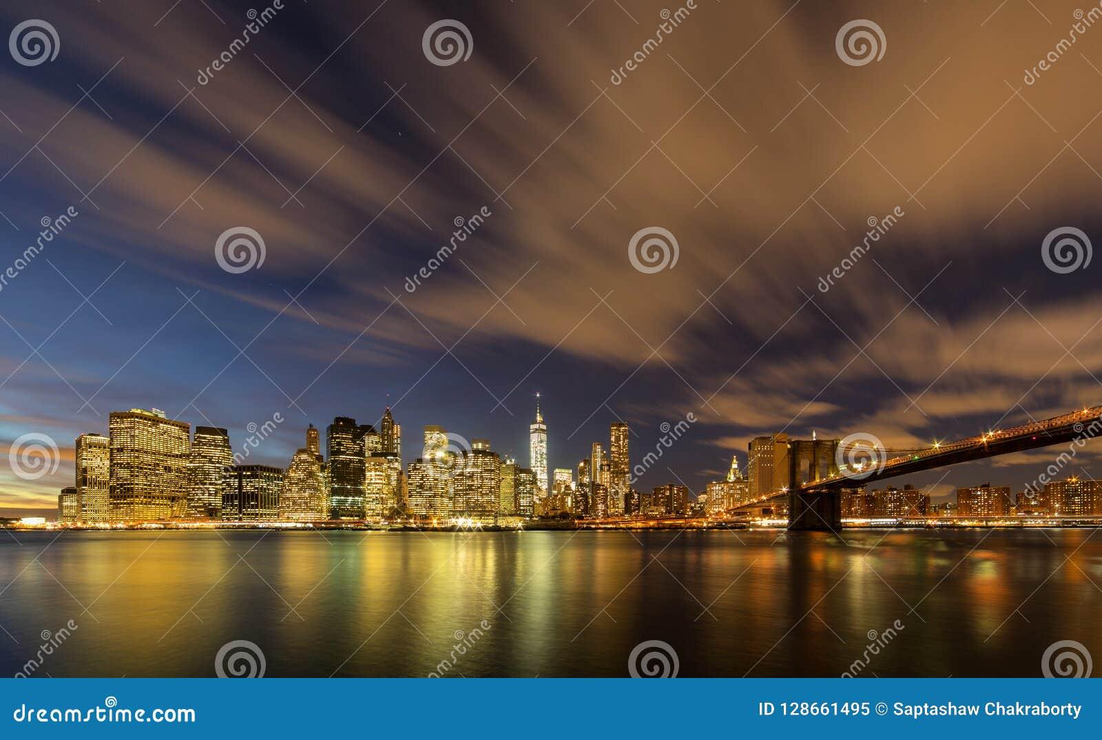 Manhattan från den Brooklyn bron parkerar