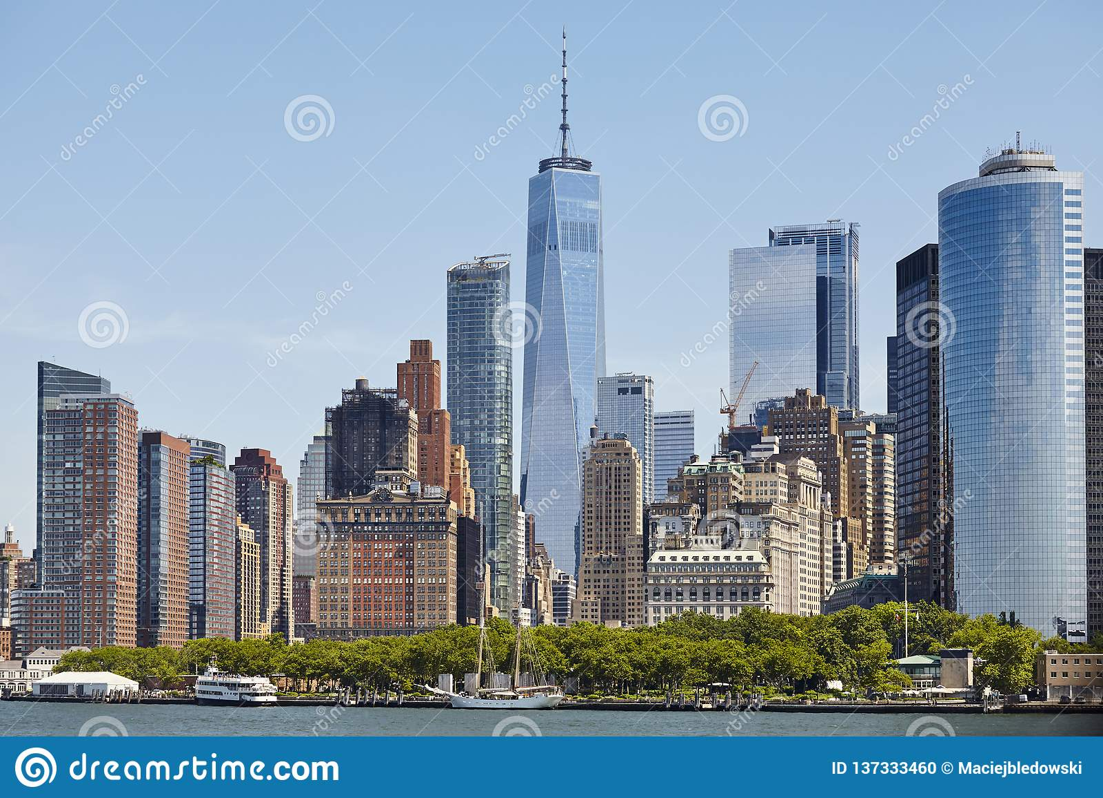 Manhattan linia horyzontu na słonecznym dniu, usa
