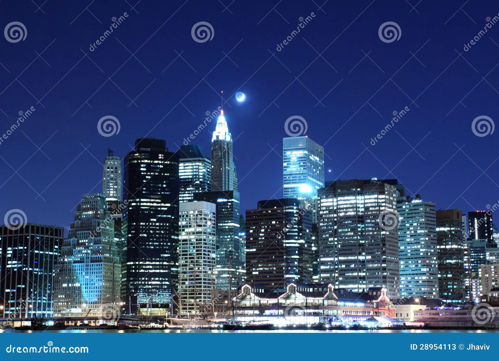 Manhattan linia horyzontu Przy nocą, Miasto Nowy Jork