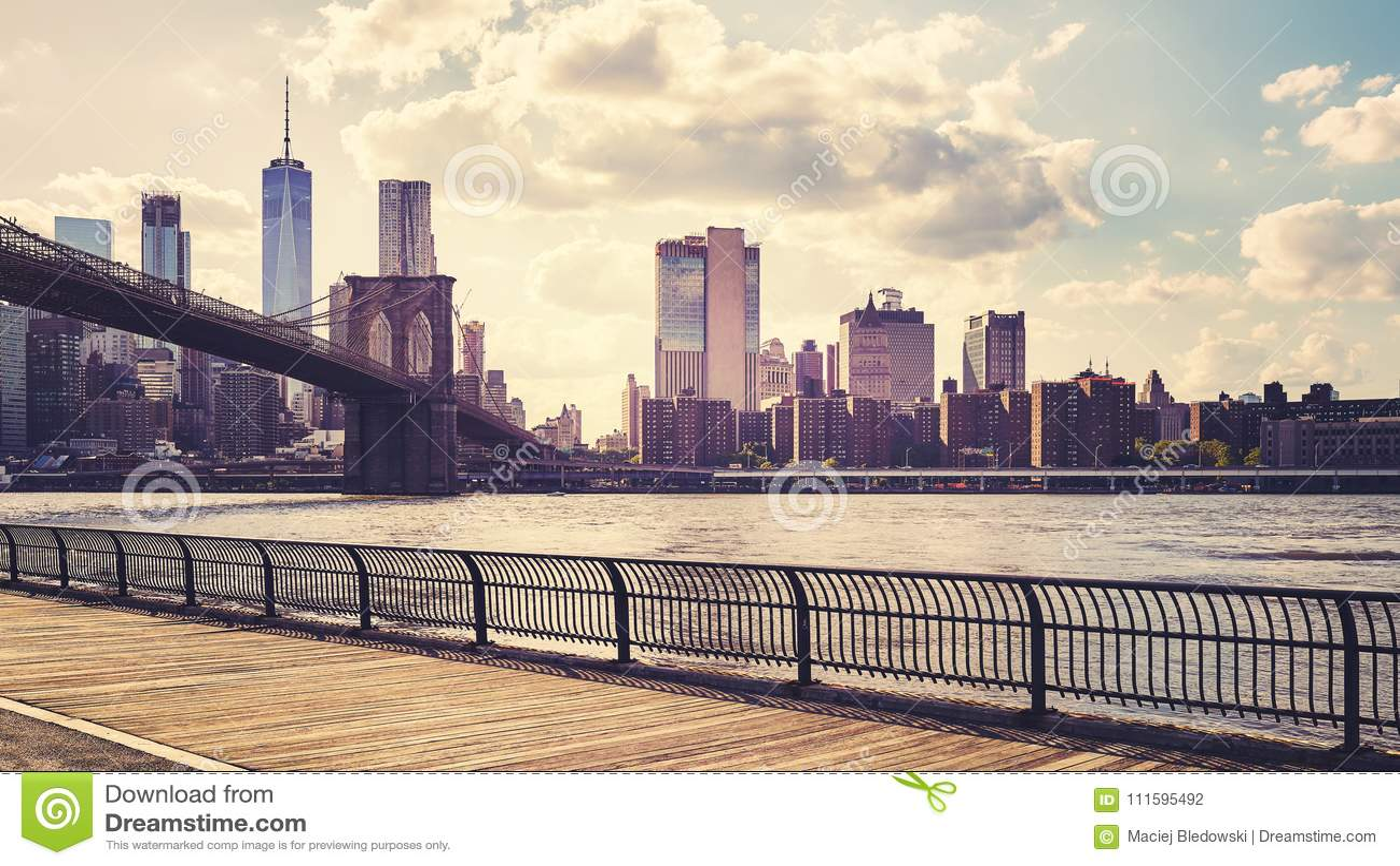 Manhattan Veduta Da Brooklyn Al Tramonto, New York Fotografia Stock ...