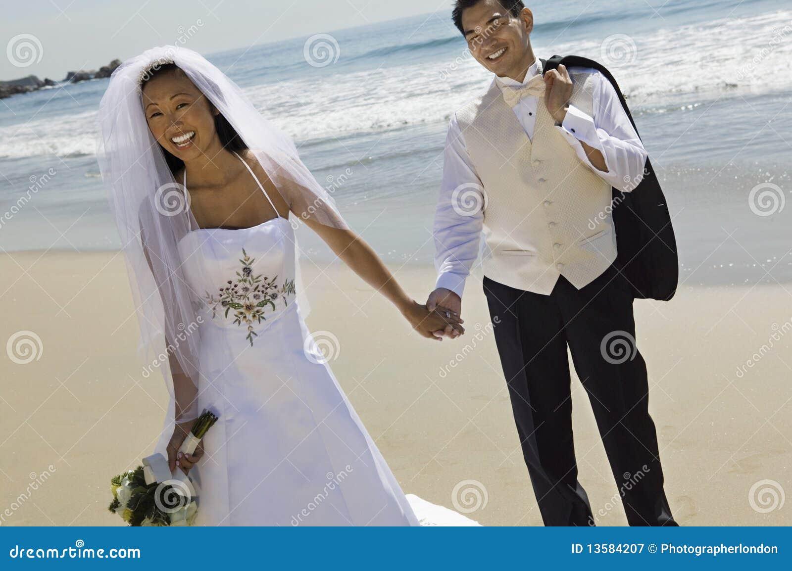 Mani della holding dello sposo e della sposa