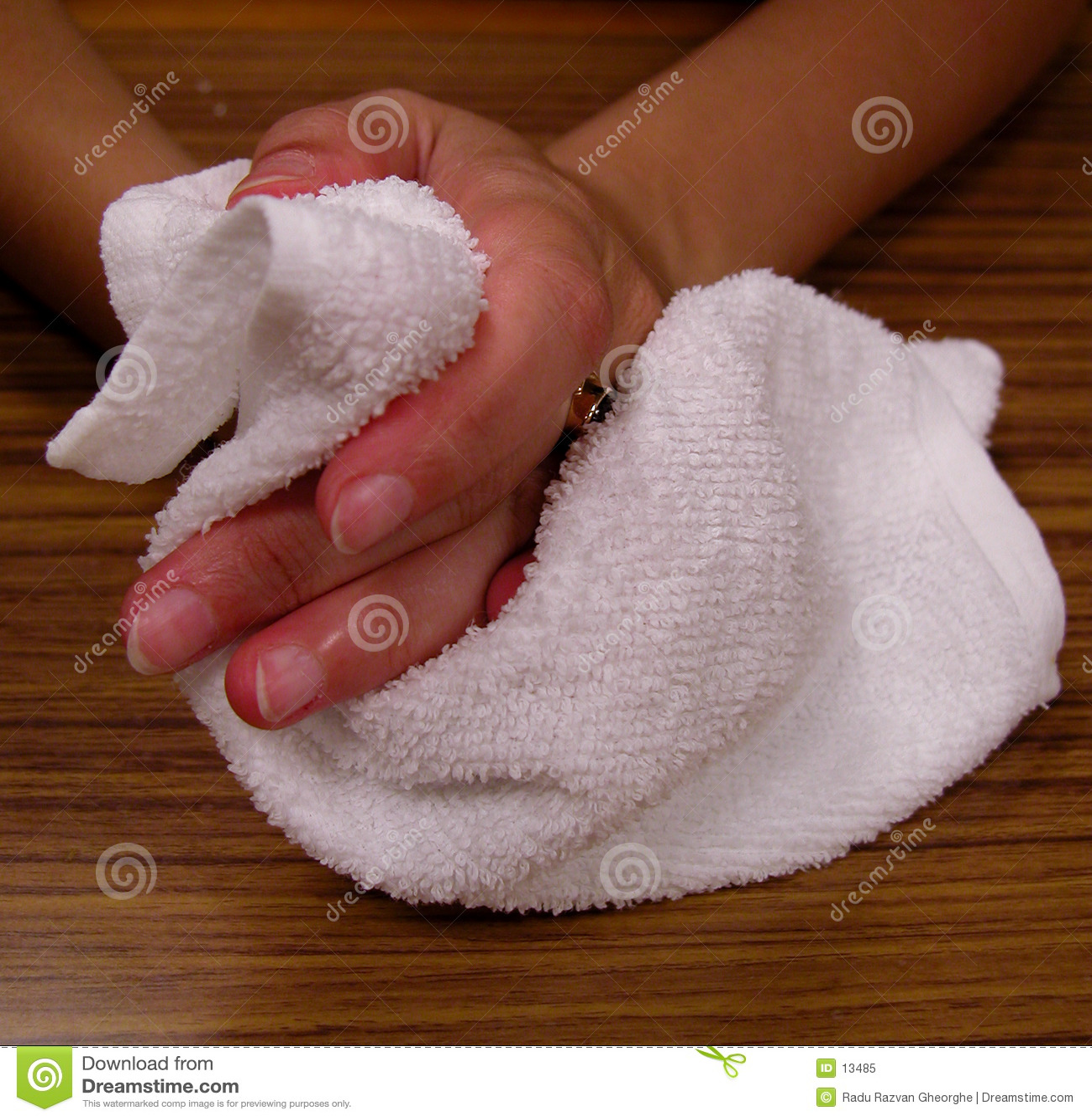 Mani e tovagliolo