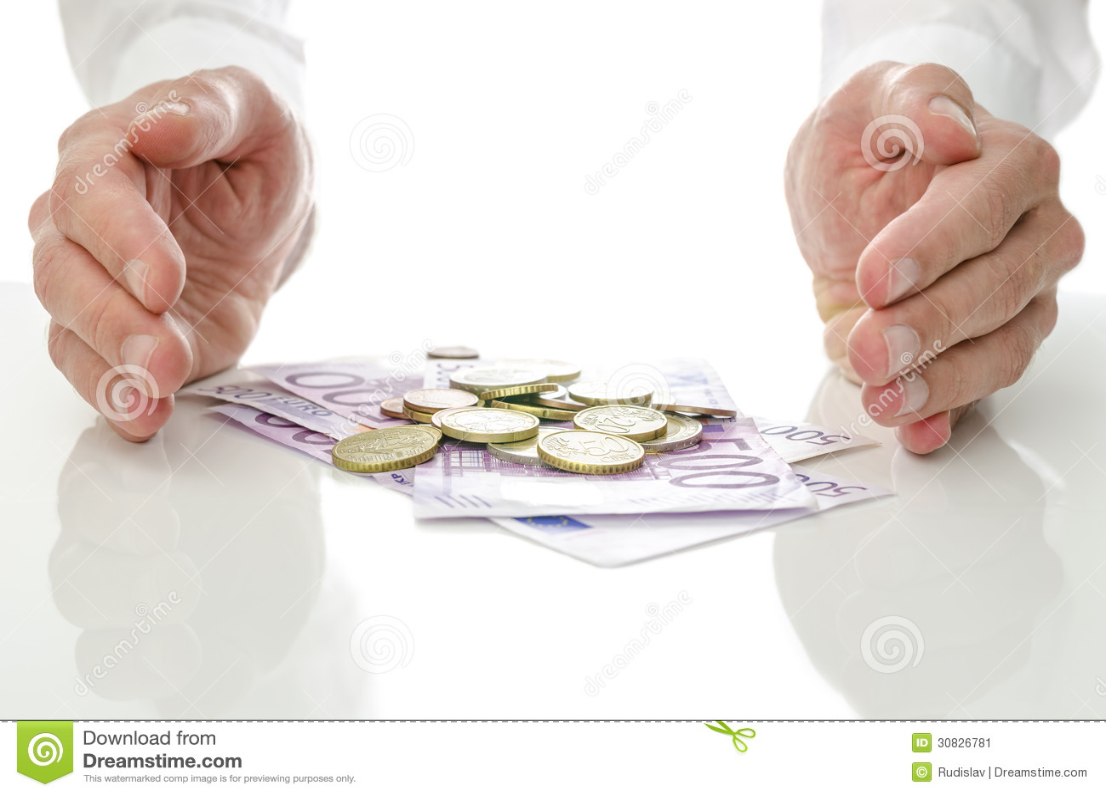 Mani intorno alle euro monete e banconote