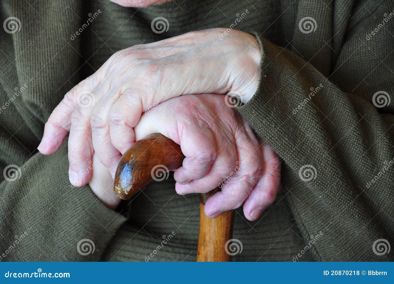 Mani sulla canna