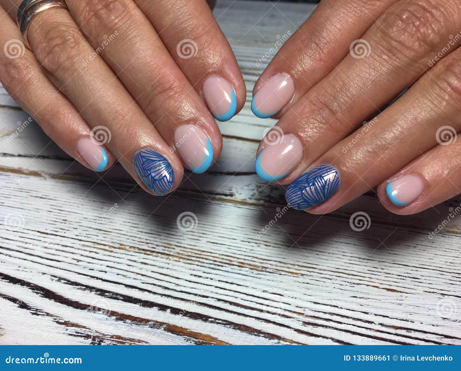 Manicura Francesa Azul De Moda Imagen De Archivo Imagen De