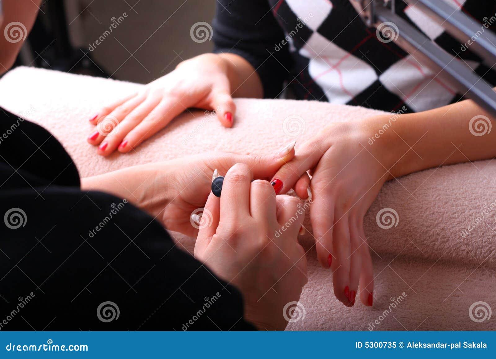Download Manicure immagine stock. Immagine di umano, eleganza, centro - 5300735