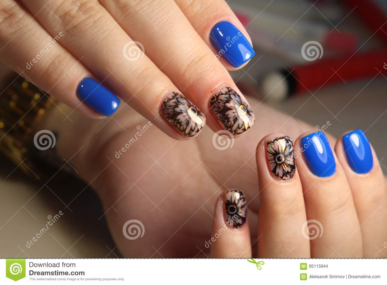 Manicure design nails gel with lacquer