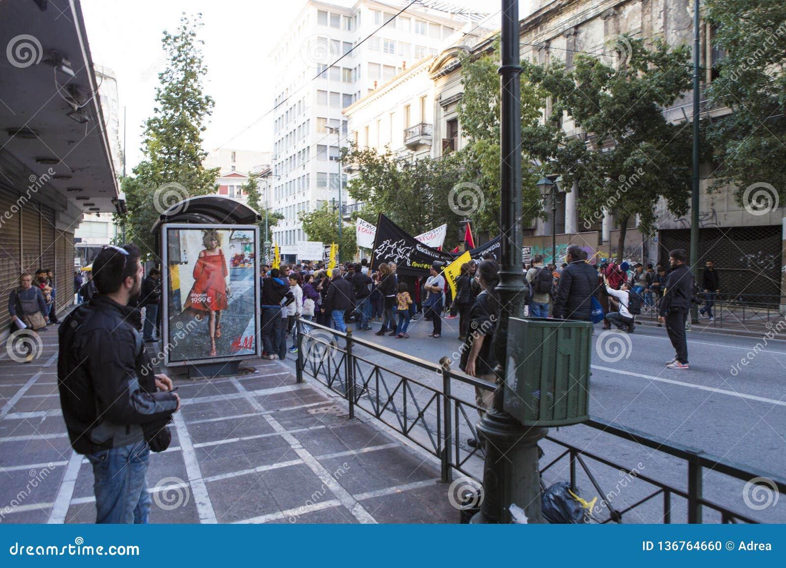 Manifestacja przeciw surowość miarom w Ateny