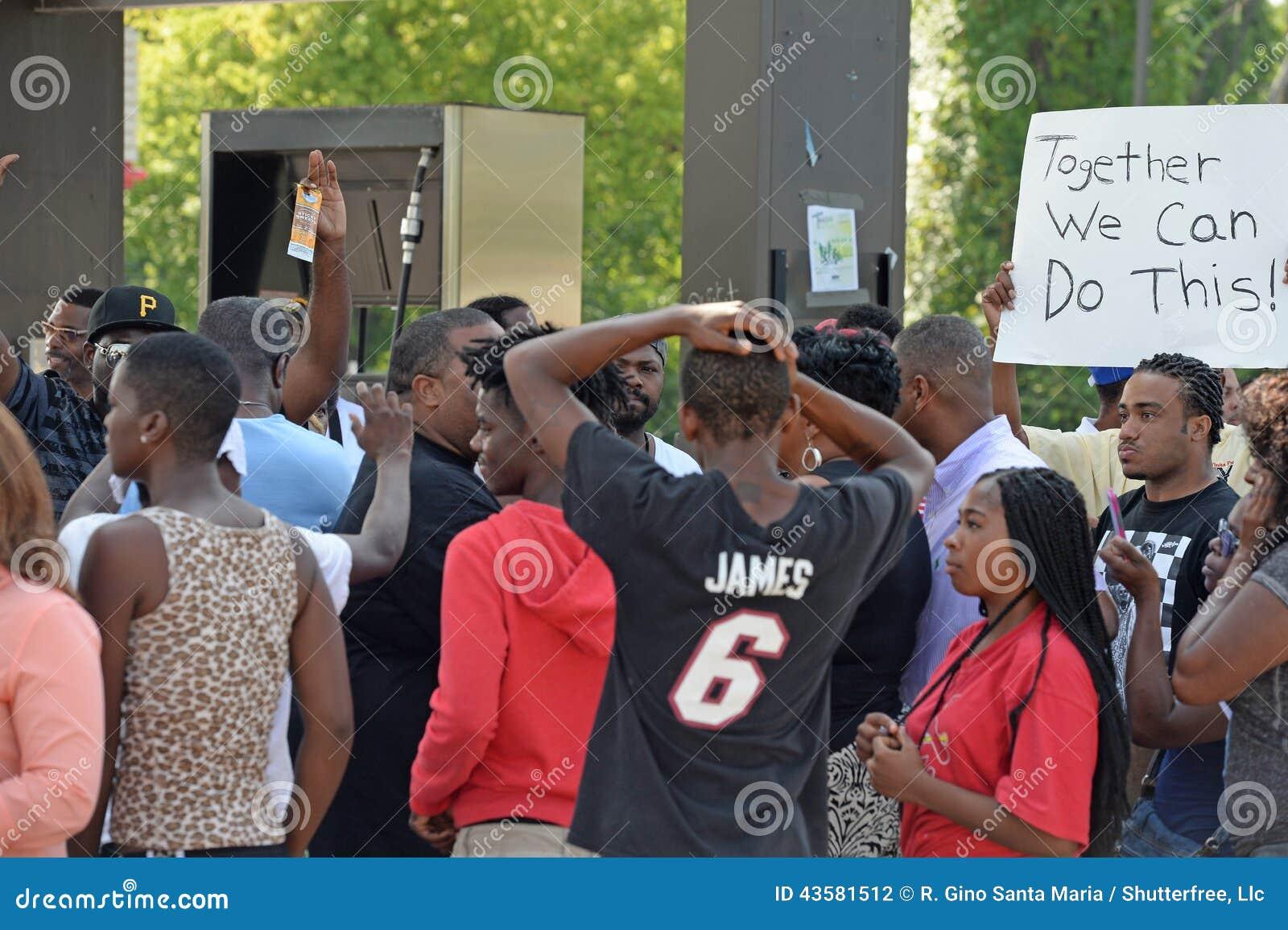 Manifestantes en Ferguson, Missouri
