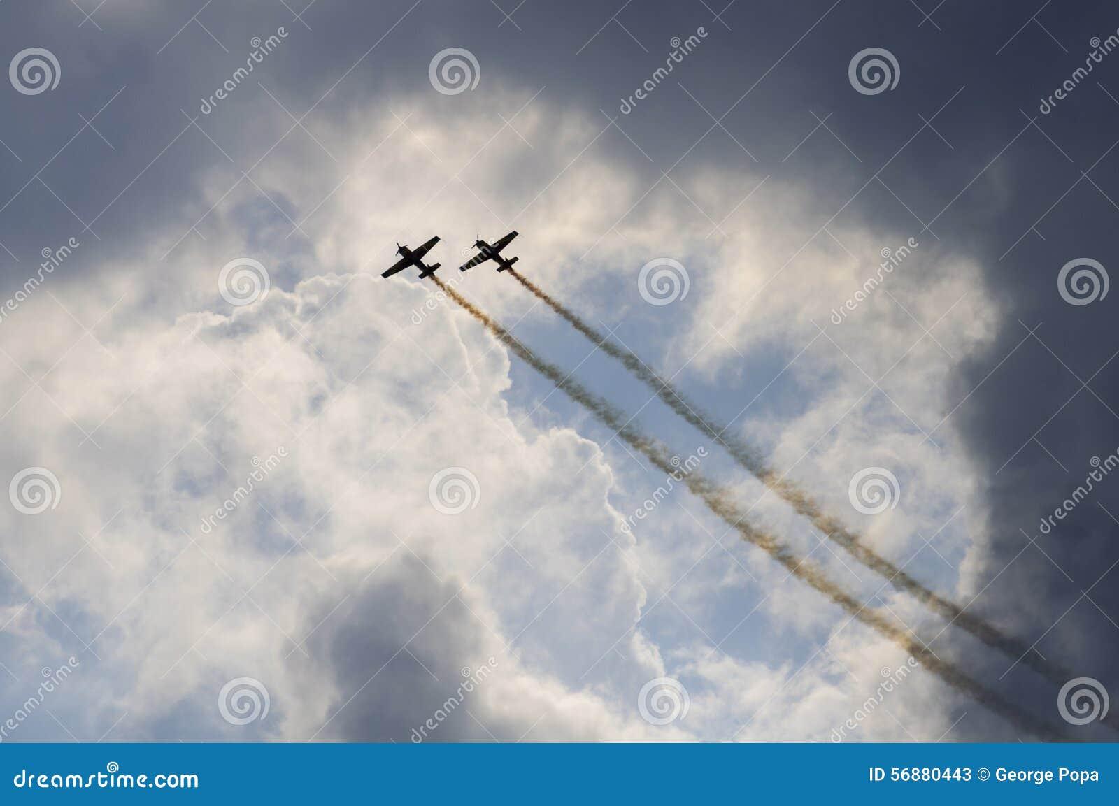 Manifestazione degli aerei di acrobazie aeree