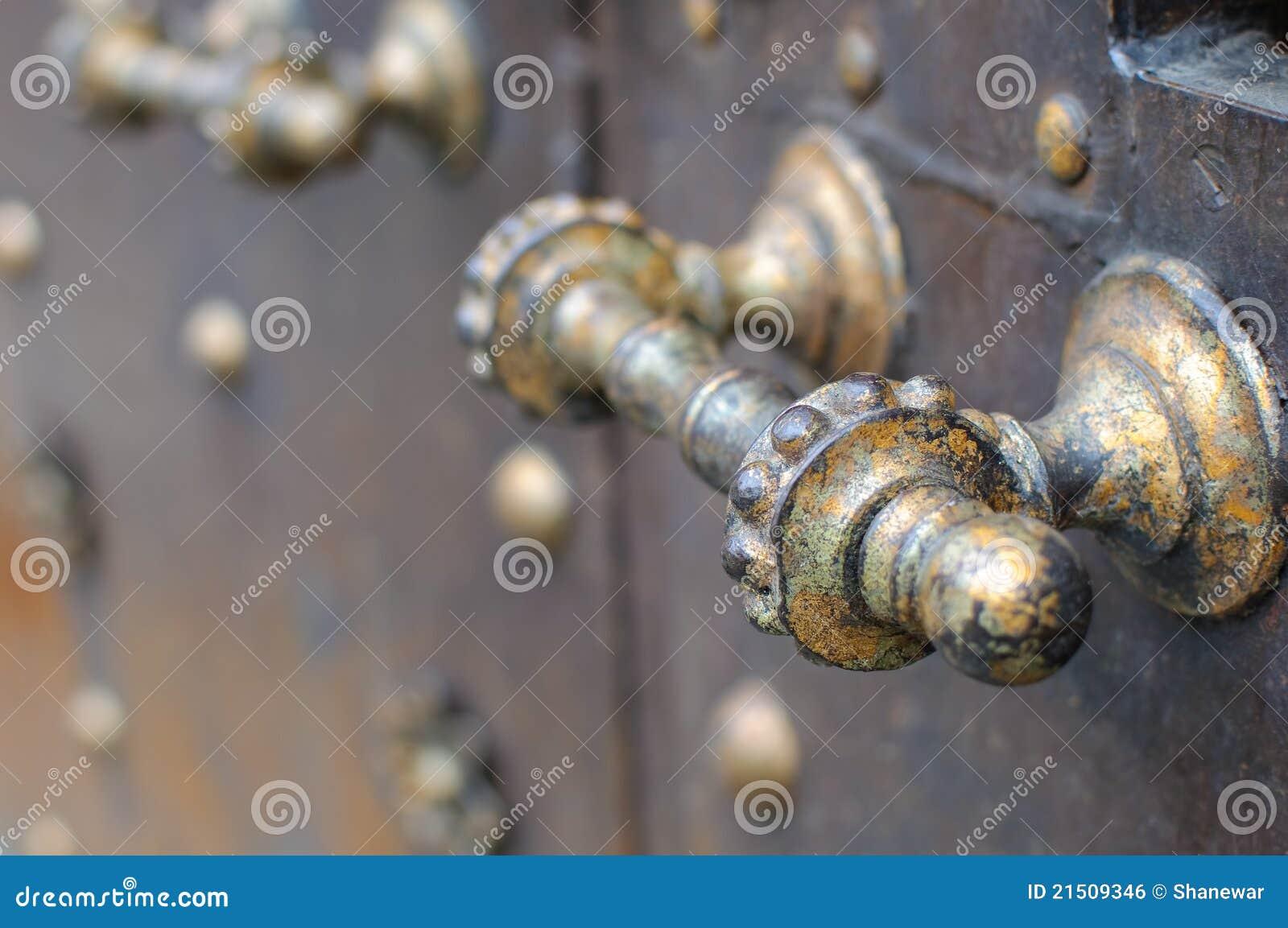 Maniglia della porta rustica immagine stock libera da - Maniglia della porta ...