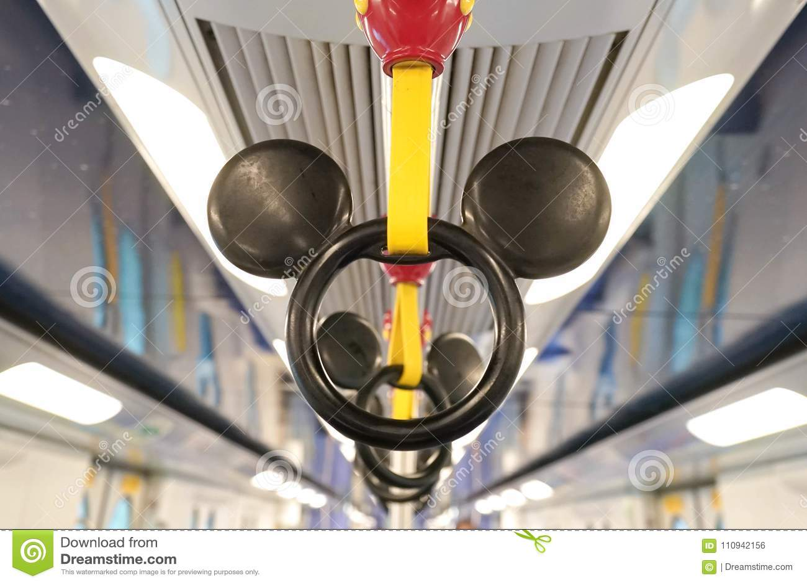 Manija de Mickey Mouse en el tema de MTR Disney en Hong Kong