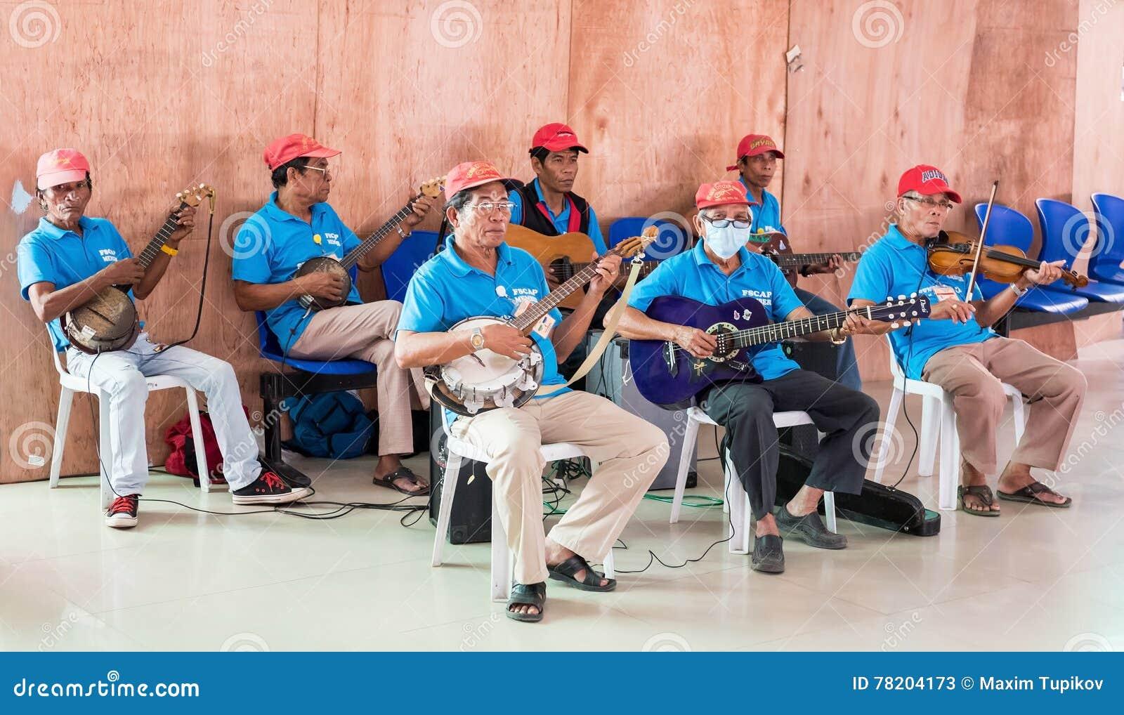 MANILLA, FILIPPIJNEN - FEBRUARI 20, 2016: Groep musici
