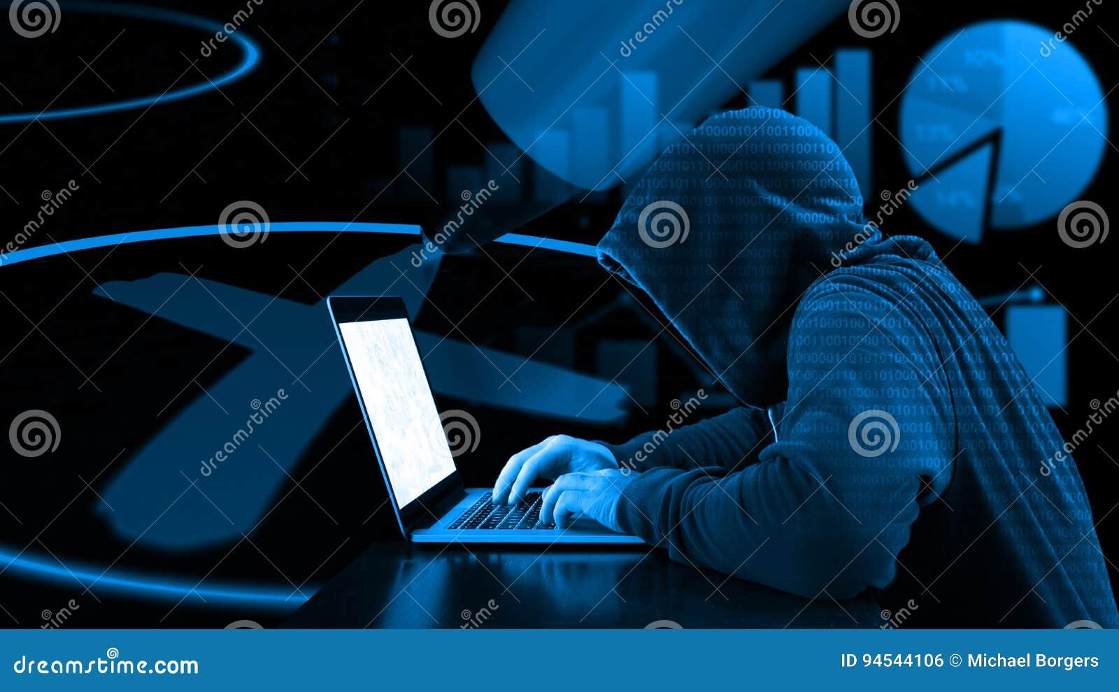 Manipolazione del pirata informatico di elezione con il computer portatile
