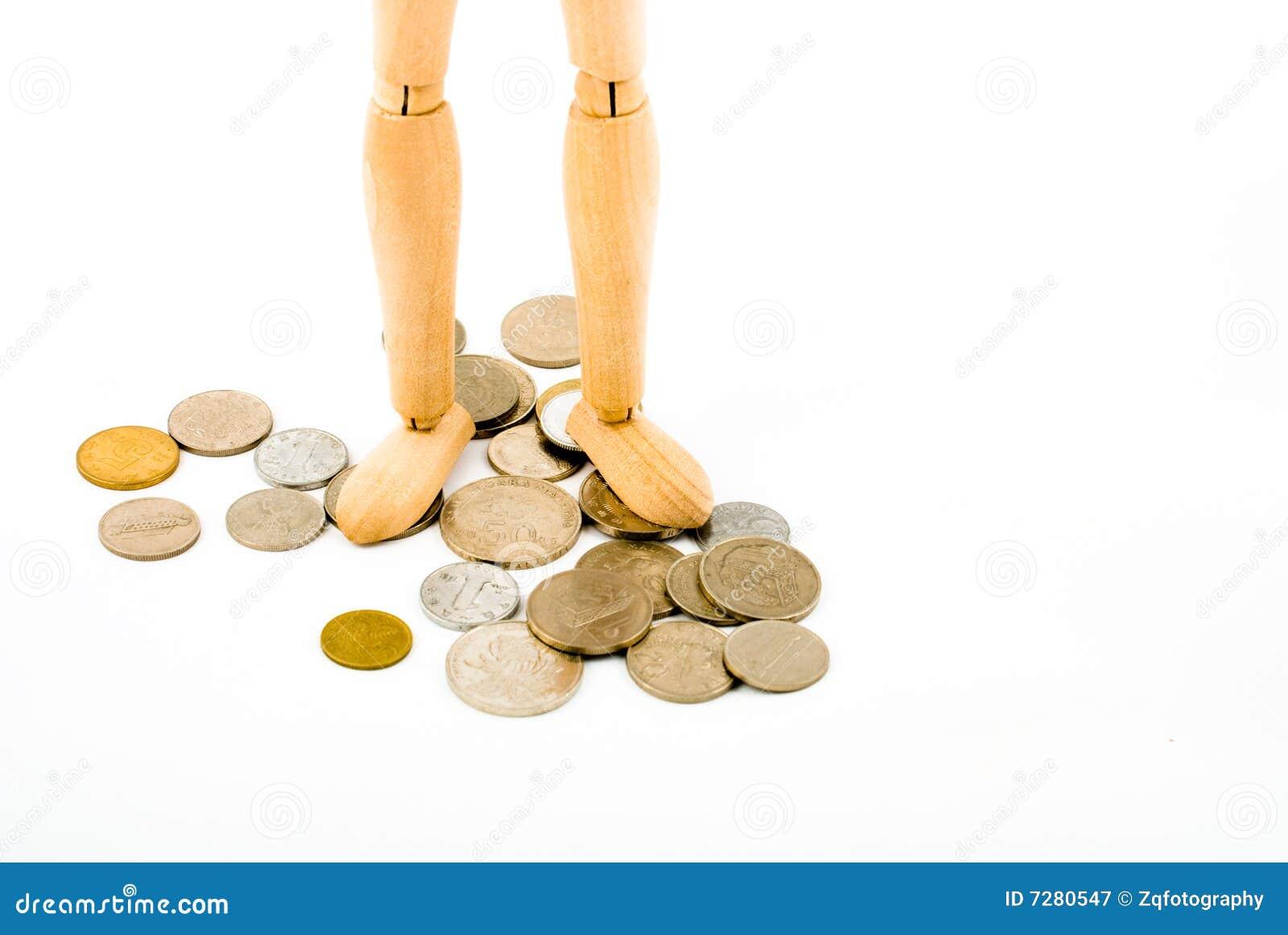 Maniquí con las monedas