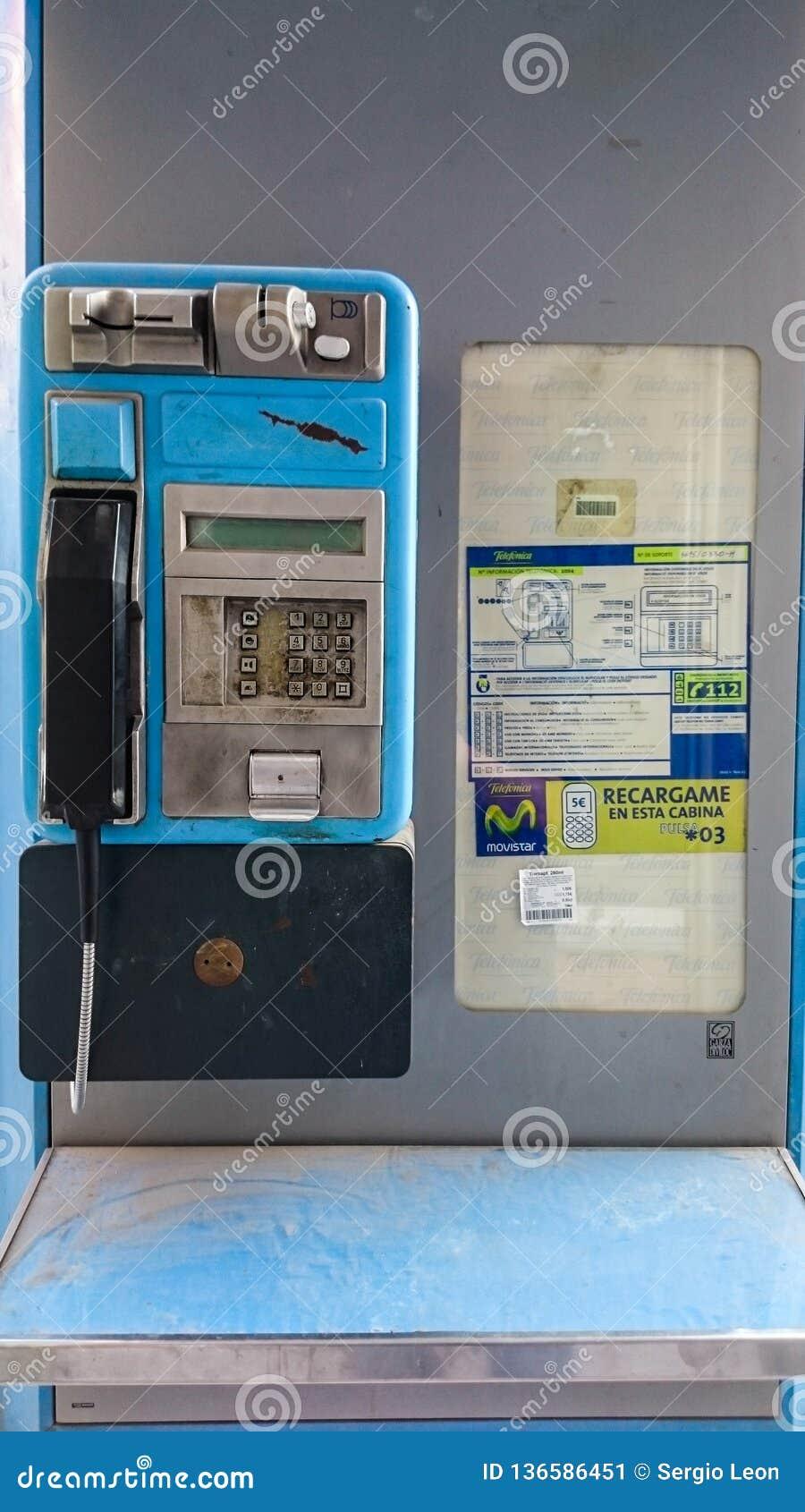 """MANISES SPANIEN †""""DECEMBER 30th 2018: Offentlig telefon på gatan"""