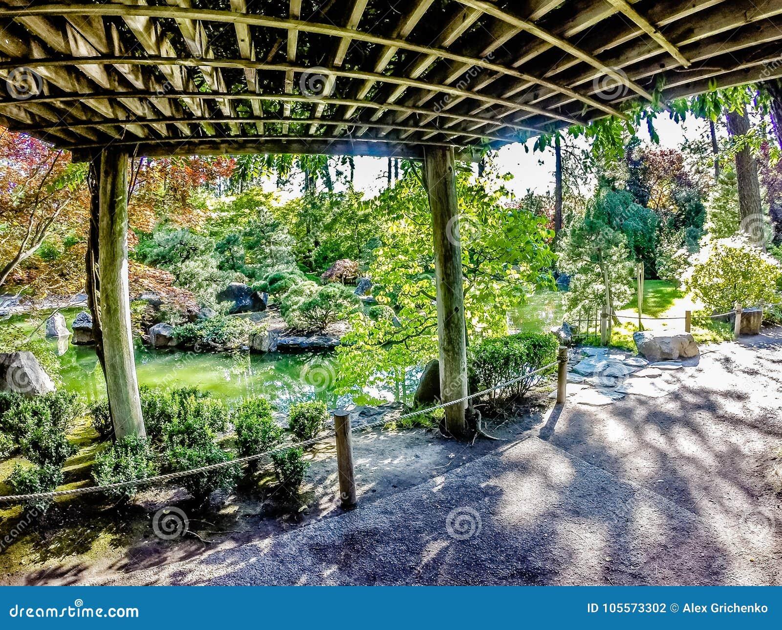 Manito公园的美丽的日本庭院在斯波肯,华盛顿州