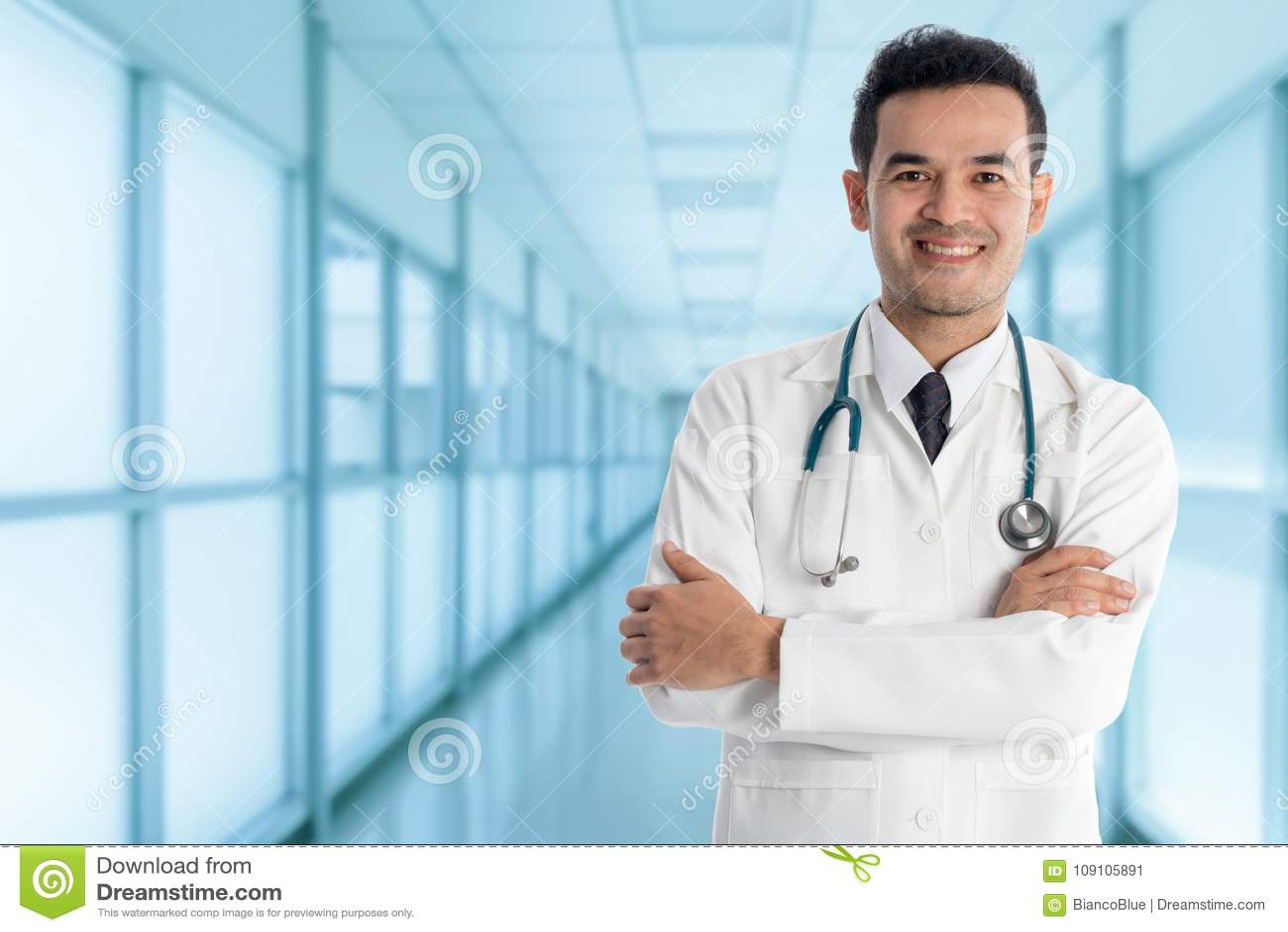 Manlig doktor i sjukhuset