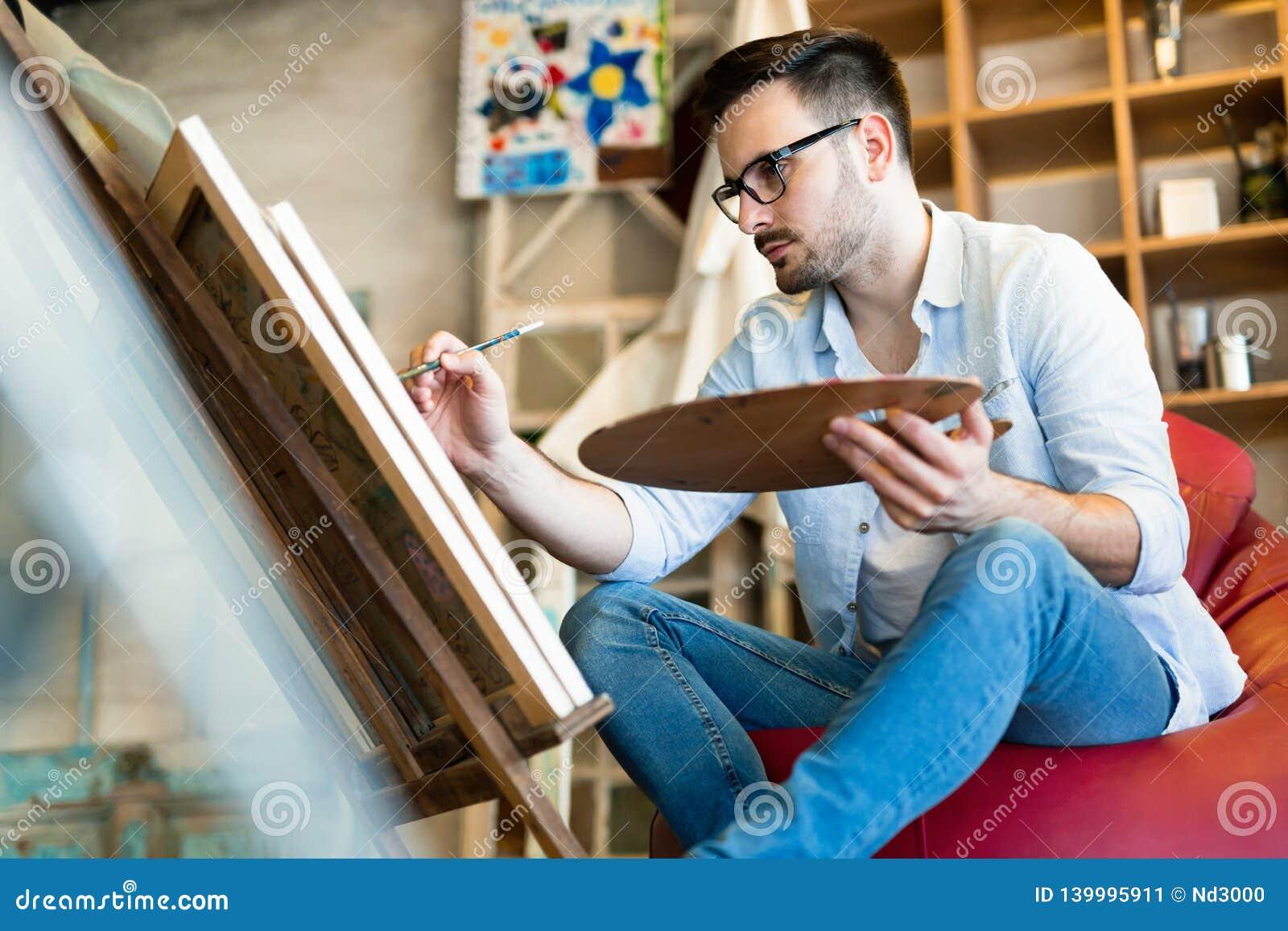 Manlig målning för konstnär för konstskola med olja på kanfas