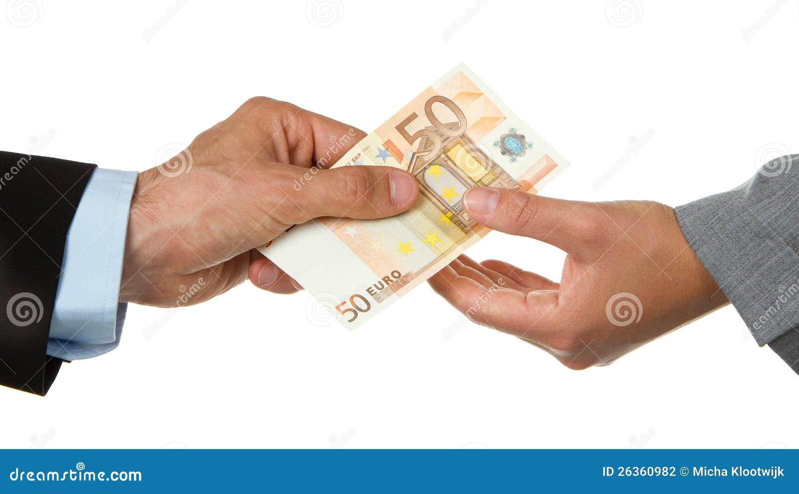 Mann, der gibt einer Frau Euro 50 (Geschäft)