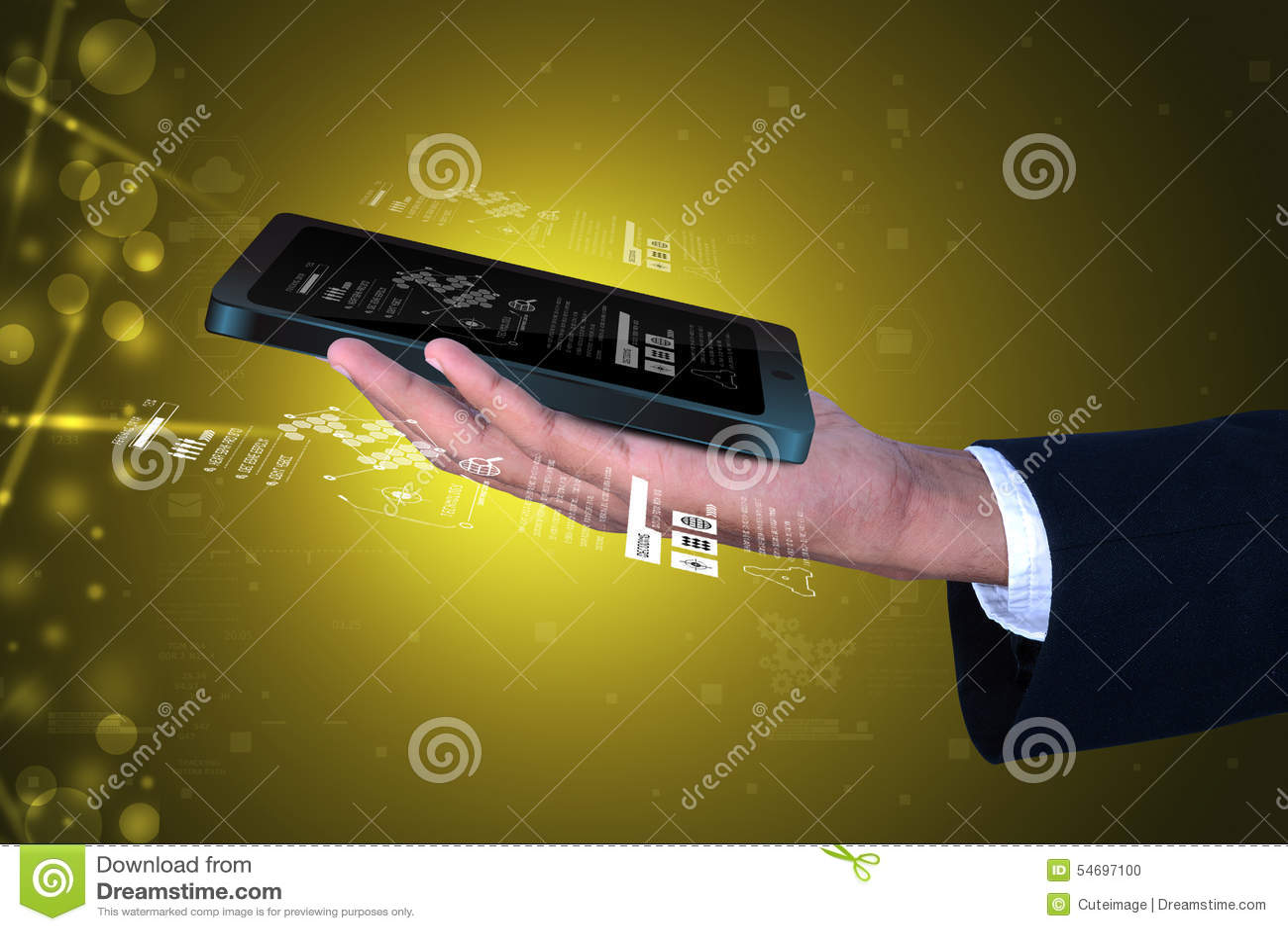 Mann, der intelligentes Telefon anhält