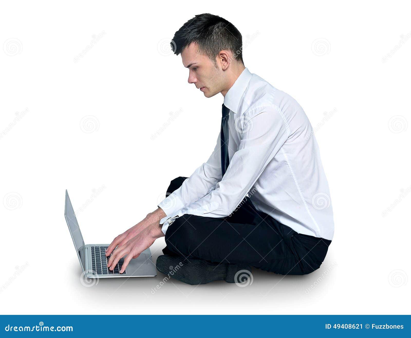 Download Mann, der Laptop verwendet stockbild. Bild von hintergrund - 49408621