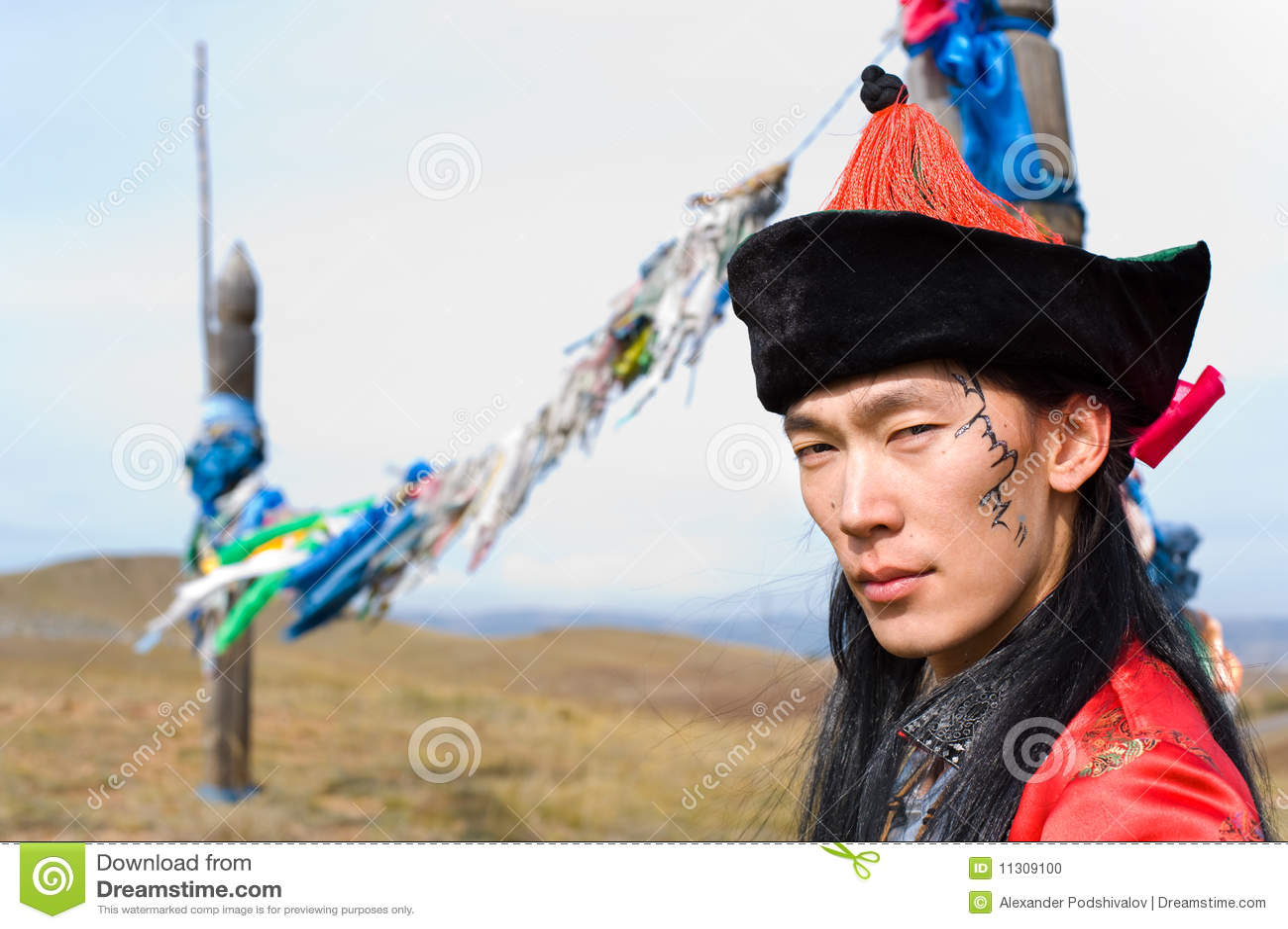 Mann im mongolischen Kostüm