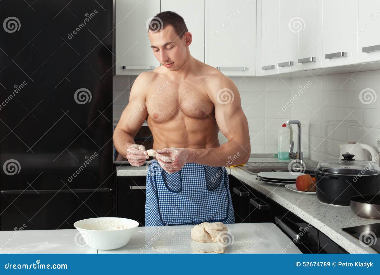 Mann Kocht Mehlklöße Stockfoto - Bild: 52674789