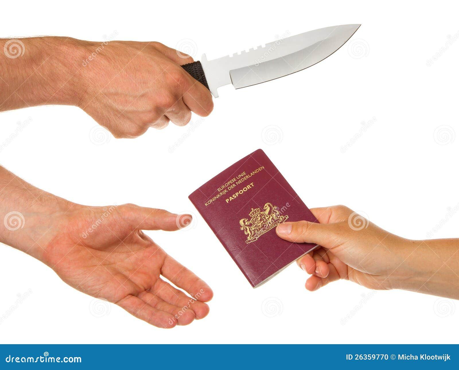 Mann mit dem Messer, das eine Frau bedroht