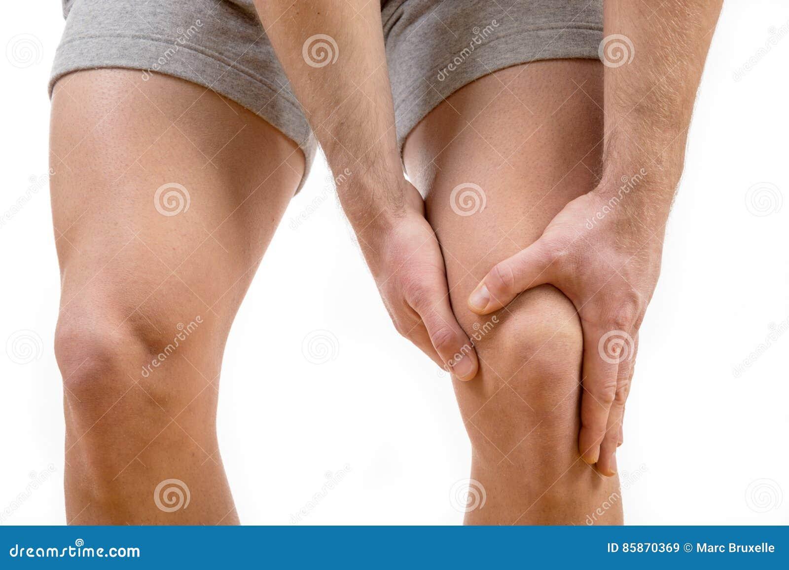 Mann mit den Knieschmerz